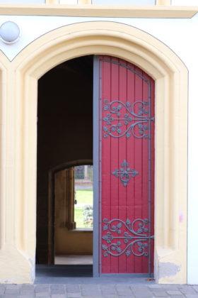 Rote Tür - offen - Trier